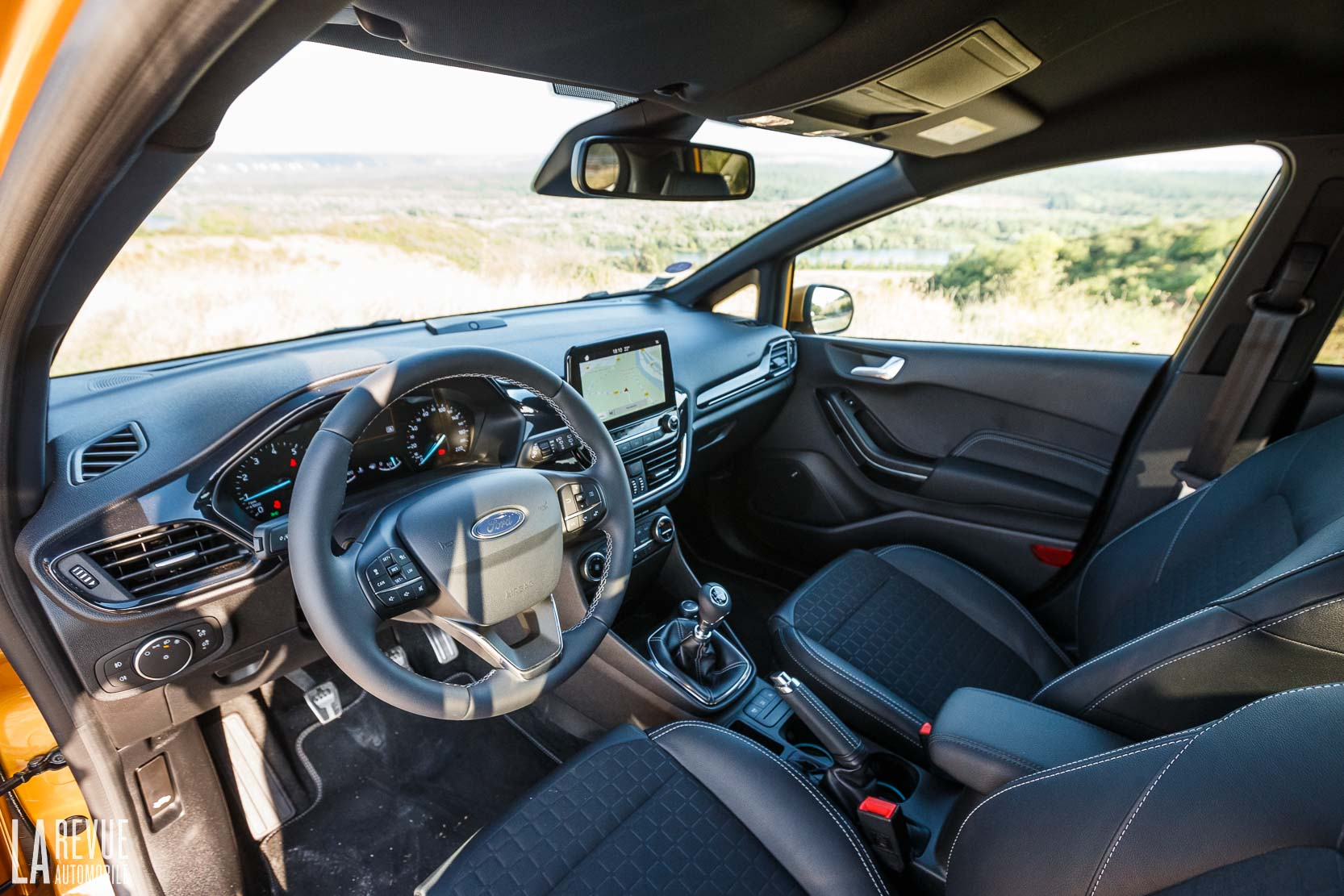 Interieur_Ford-Fiesta-Active-SUV_46