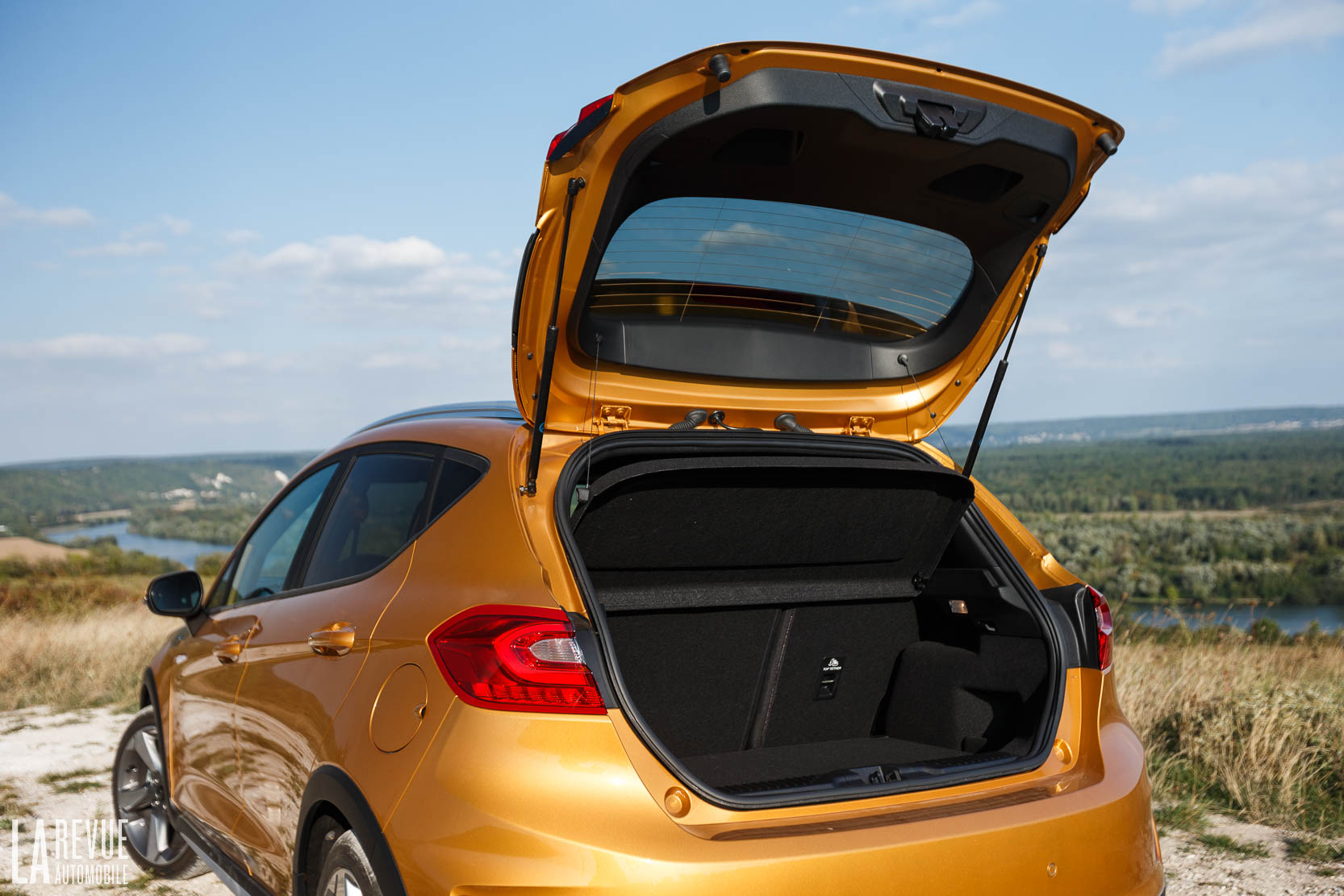 Interieur_Ford-Fiesta-Active-SUV_56
