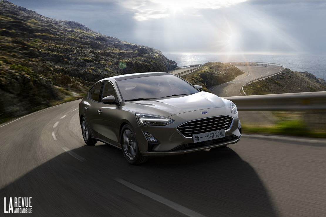 Exterieur_Ford-Focus-Berline-2018_5