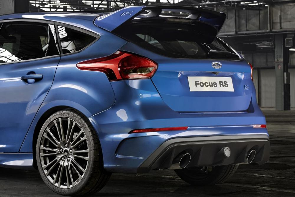 Exterieur_Ford-Focus-RS-2016_2