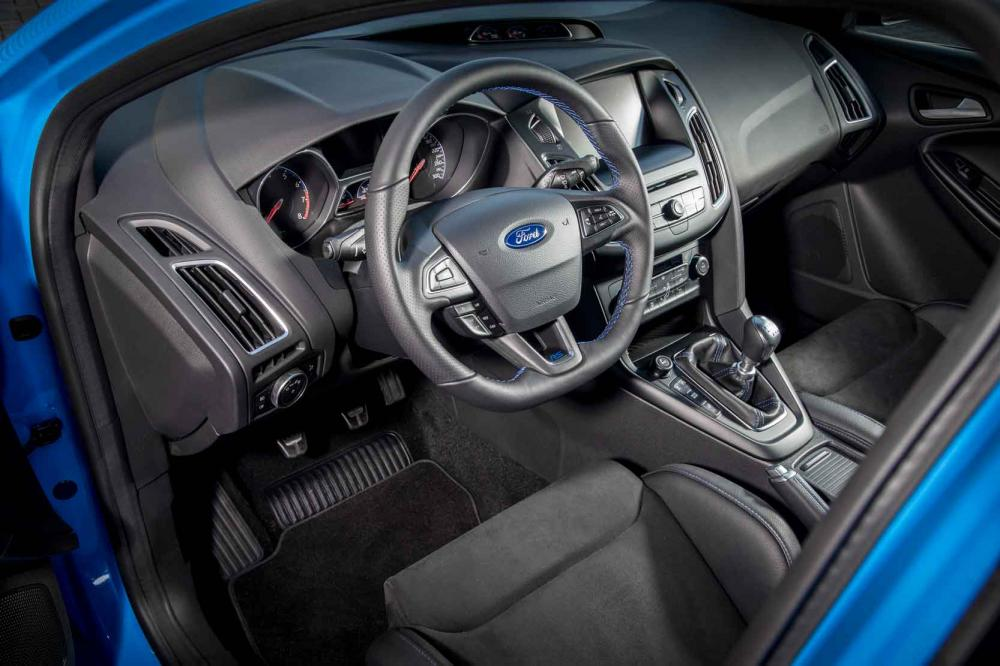 Interieur_Ford-Focus-RS_20