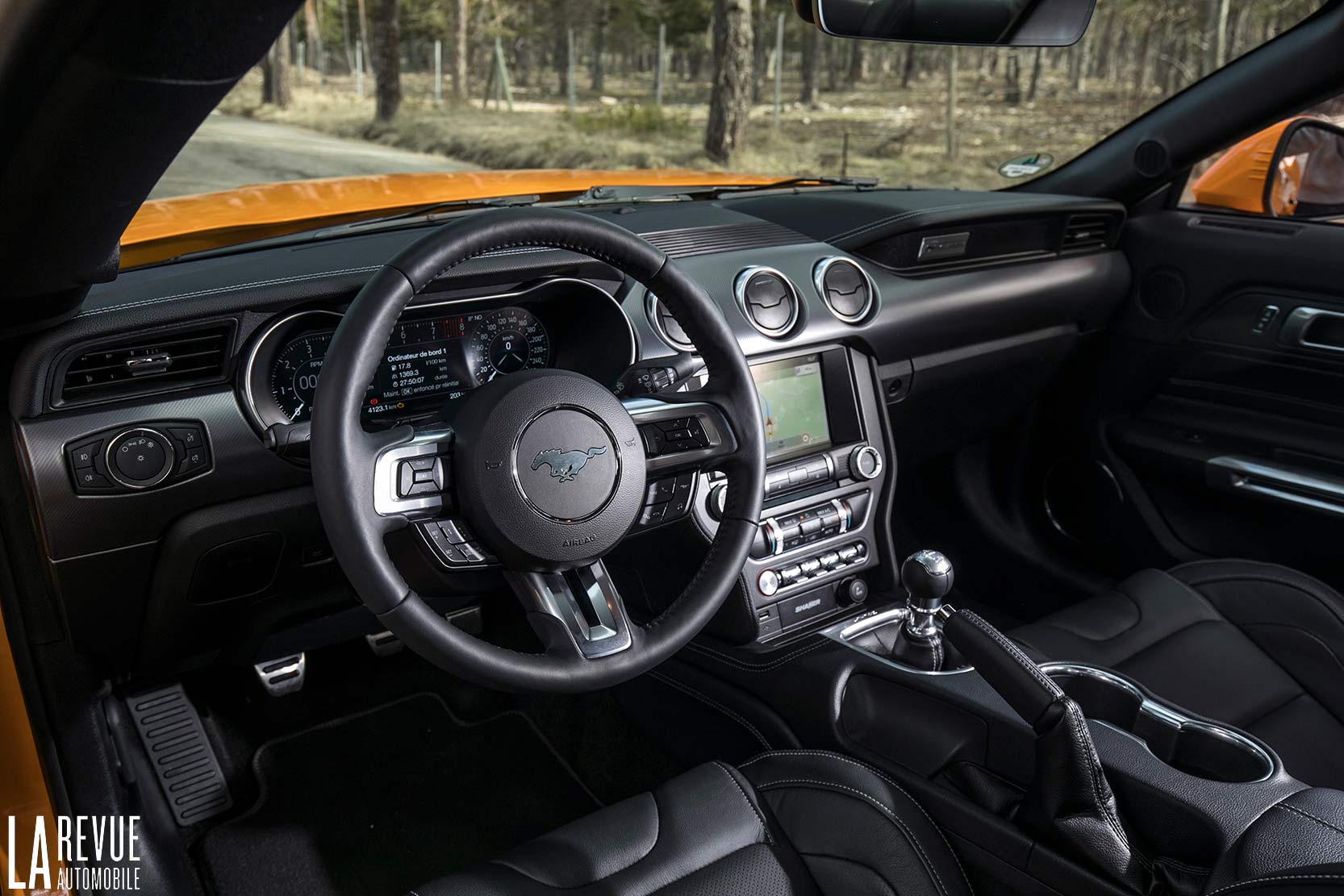 Interieur_Ford-Mustang-GT-2018_22