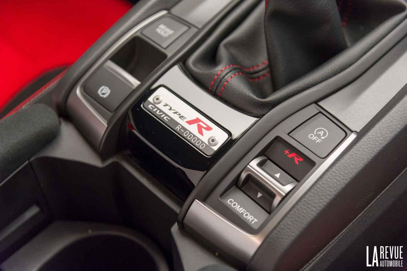 Interieur_Honda-Civic-X-Type-R_8