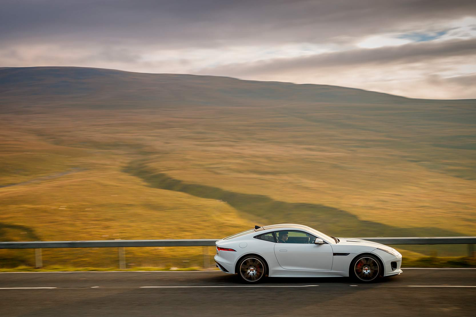 Exterieur_Jaguar-F-Type-Chequered-Flag_10