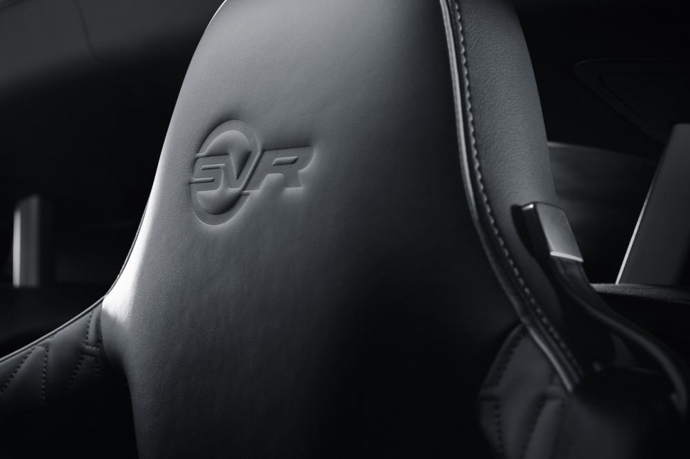 Interieur_Jaguar-F-Type-SVR_27