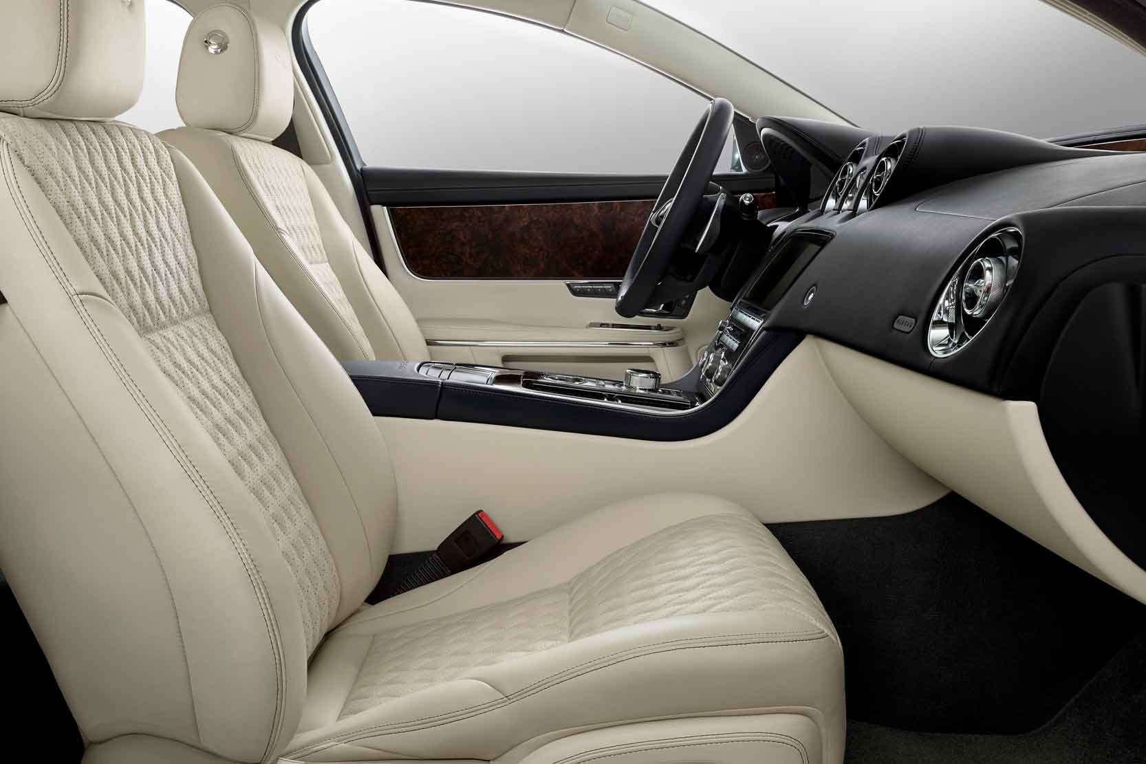 Interieur_Jaguar-XJ50_11
