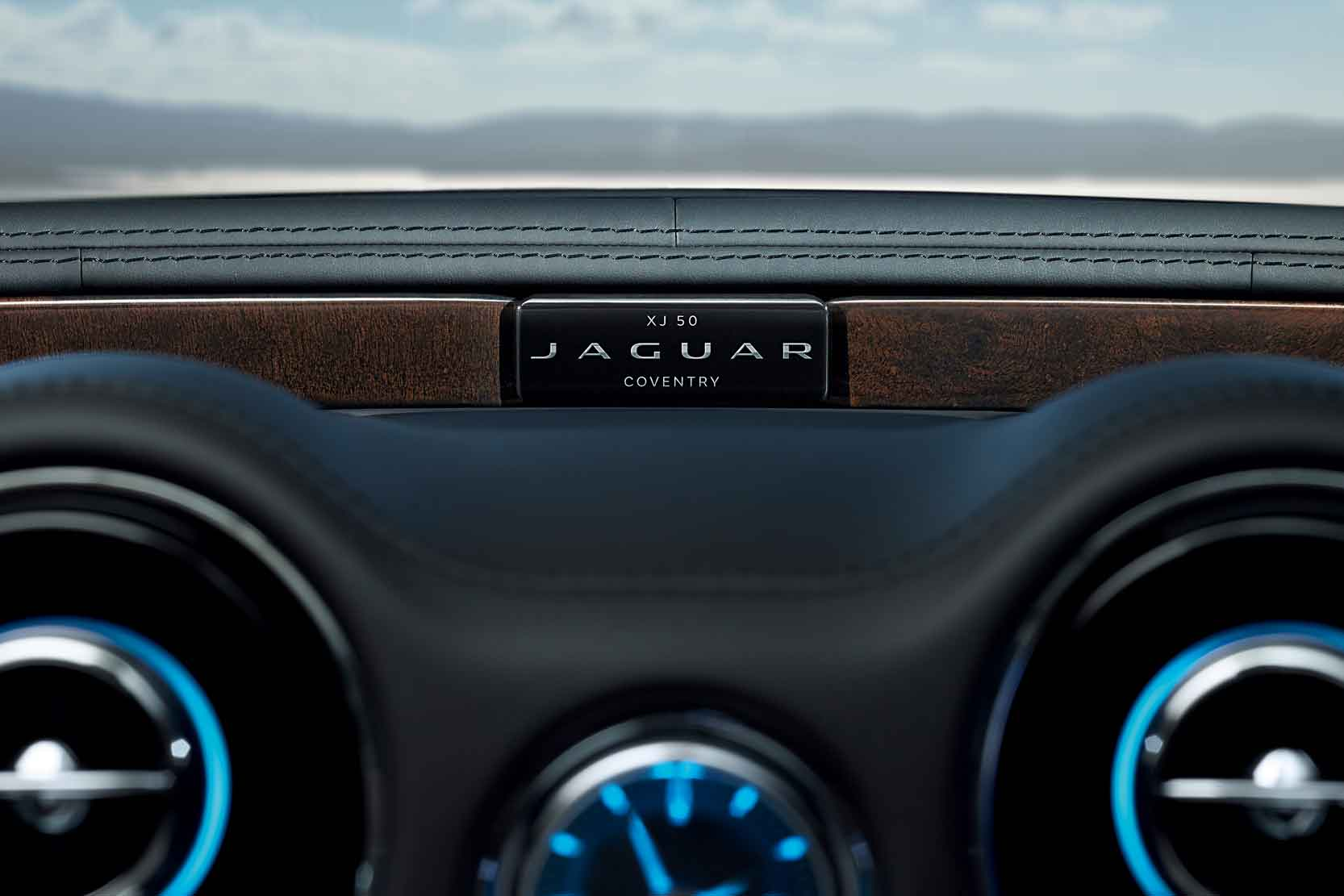 Interieur_Jaguar-XJ50_8