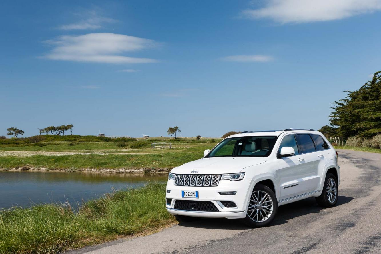 Exterieur_Jeep-Grand-Cherokee-Summit-Signature_15