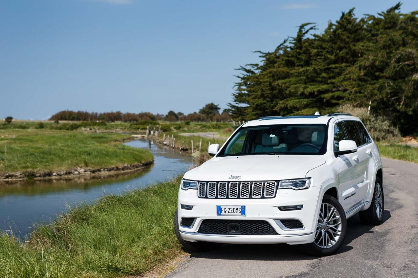 Exterieur_Jeep-Grand-Cherokee-Summit-Signature_13