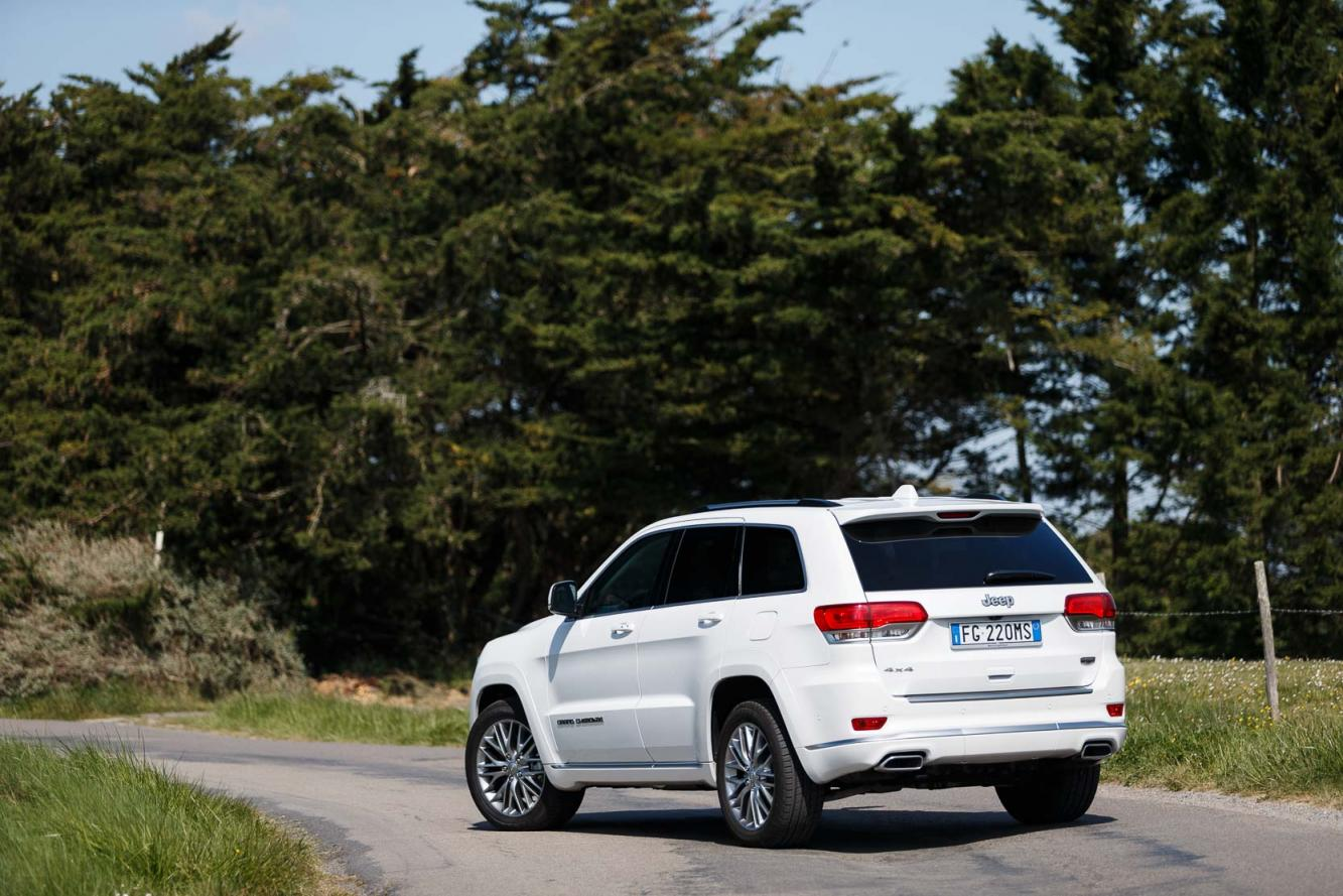 Exterieur_Jeep-Grand-Cherokee-Summit-Signature_18