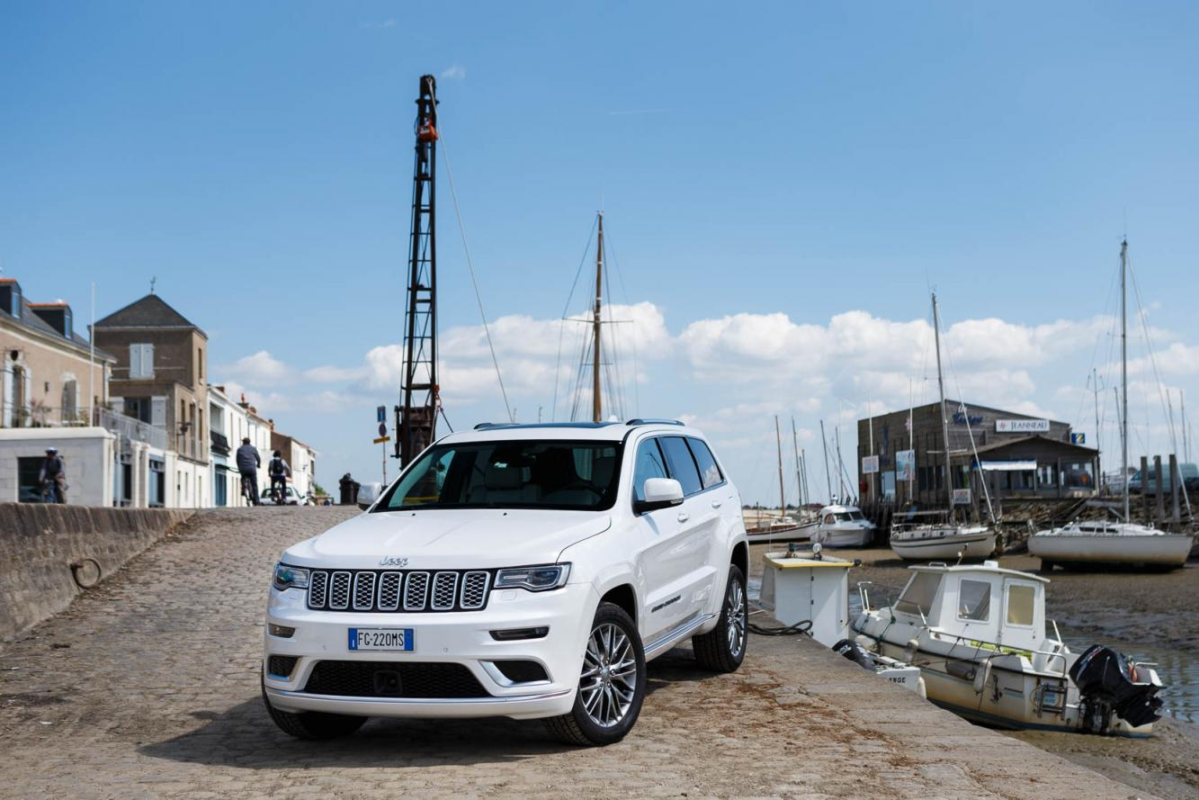 Exterieur_Jeep-Grand-Cherokee-Summit-Signature_16