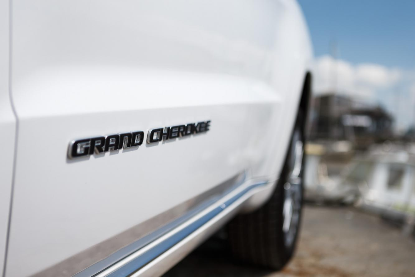Exterieur_Jeep-Grand-Cherokee-Summit-Signature_17