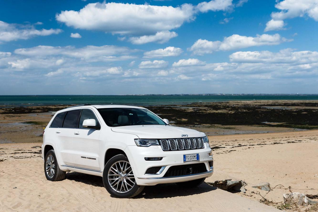 Exterieur_Jeep-Grand-Cherokee-Summit-Signature_14