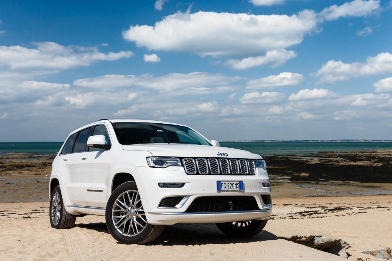 Exterieur_Jeep-Grand-Cherokee-Summit-Signature_2