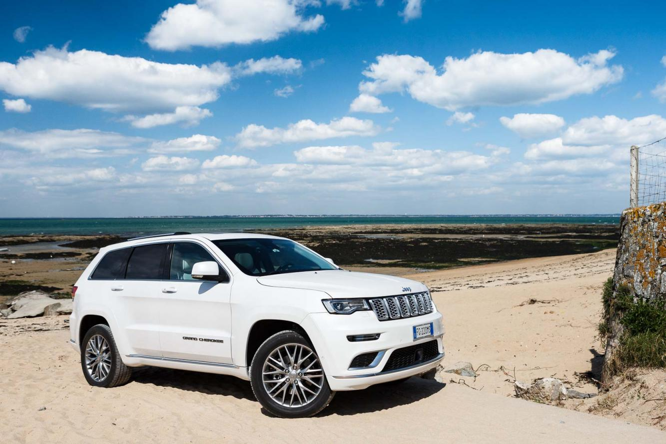 Exterieur_Jeep-Grand-Cherokee-Summit-Signature_1