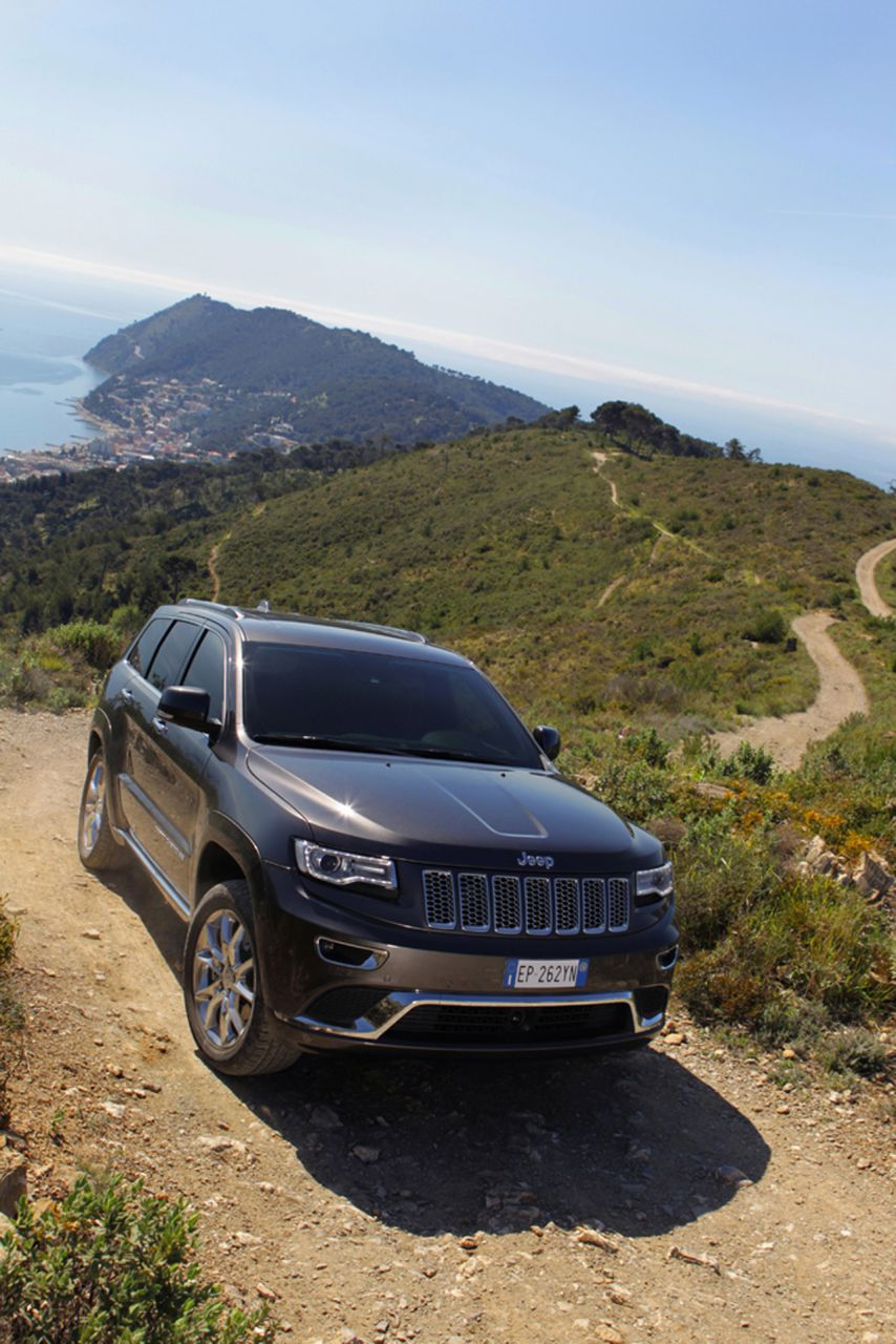 Exterieur_Jeep-Grand-Cherokee-Summit_3