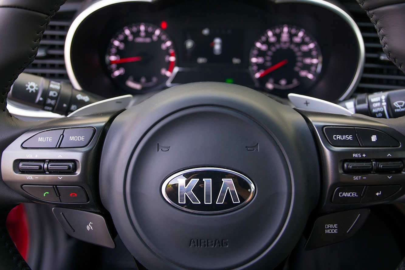 Interieur_Kia-Optima-2014_10