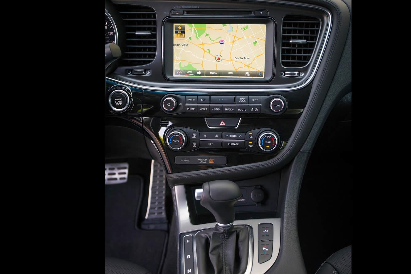 Interieur_Kia-Optima-2014_12