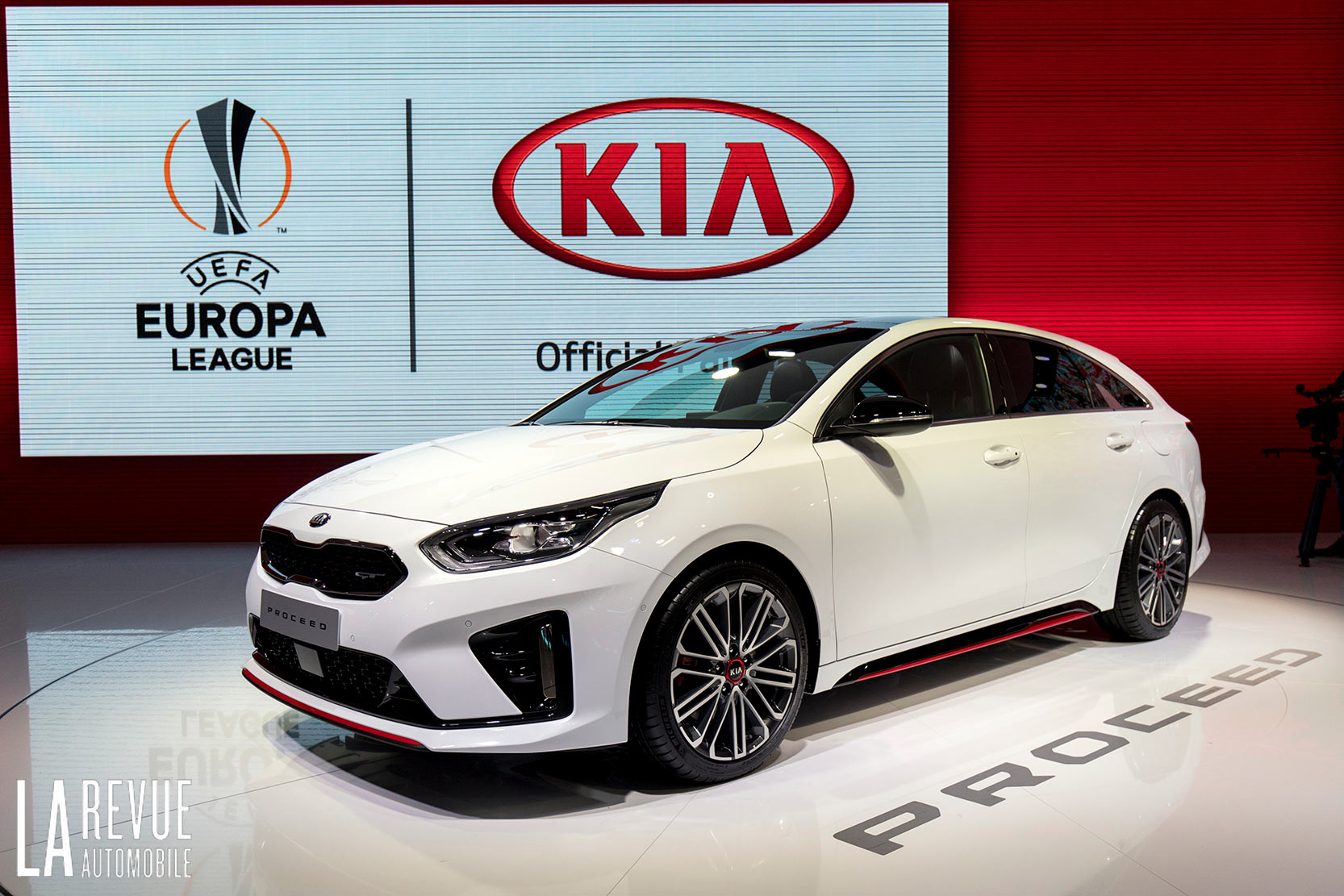 Exterieur_Kia-ProCeed-Salon_5