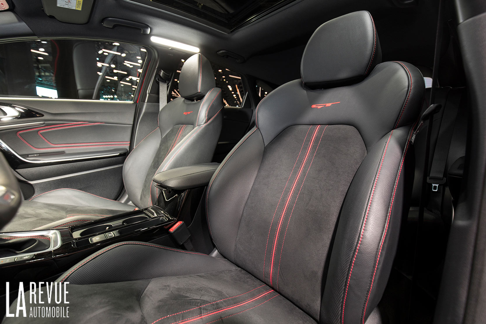 Interieur_Kia-ProCeed-Salon_13