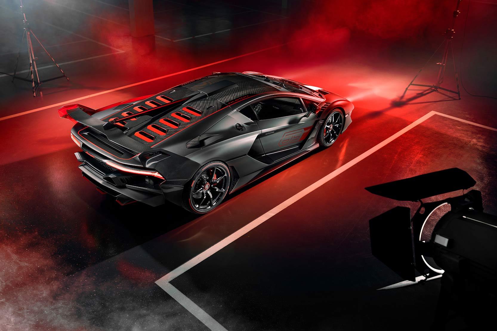 Arière Lamborghini SC18
