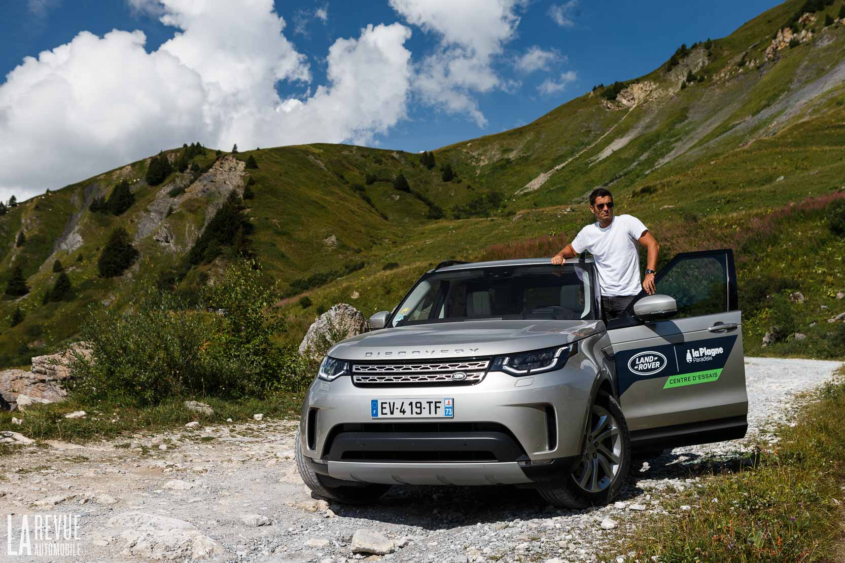 Exterieur_Land-Rover-Discovery-SD4-HSE-Luxury_18