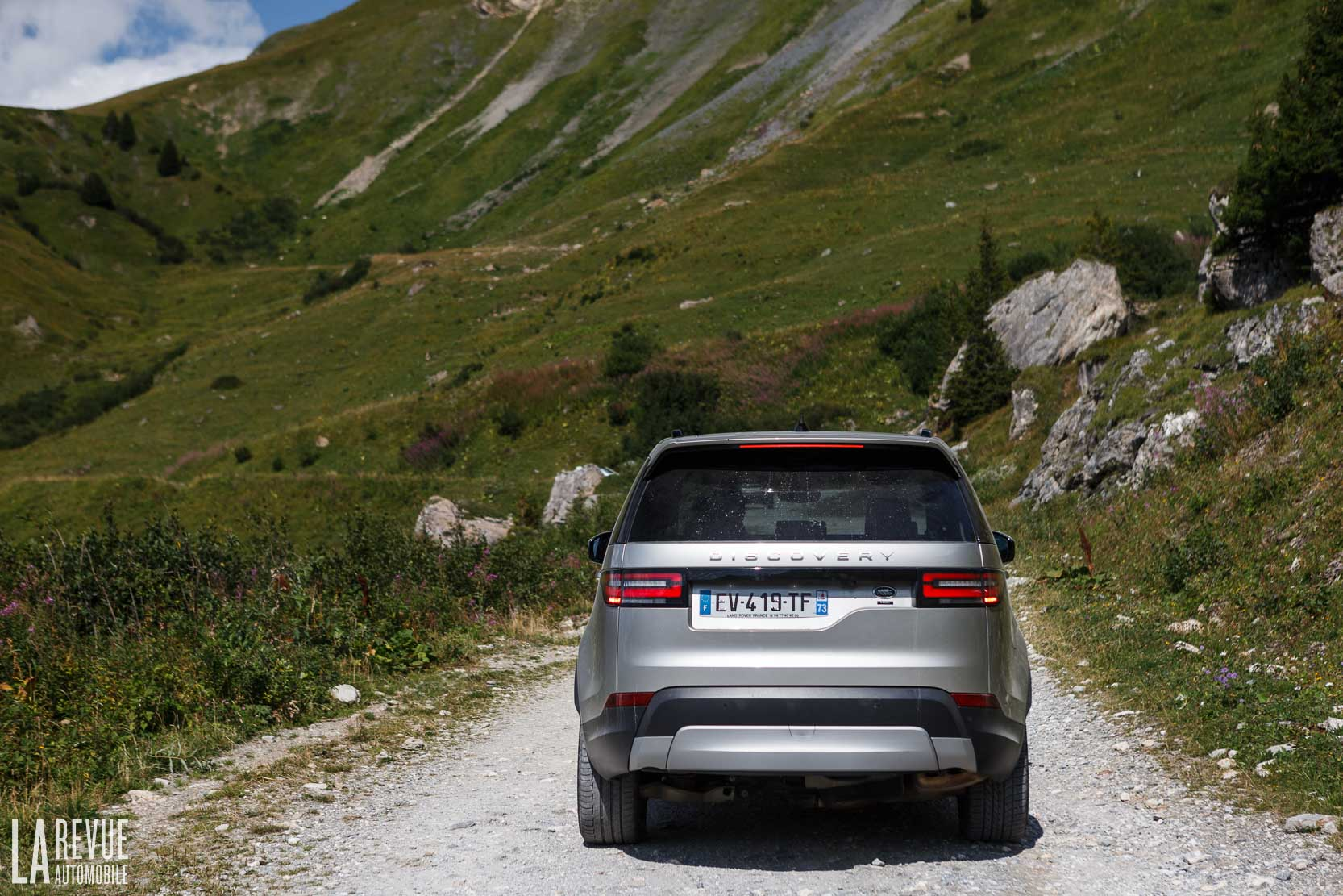 Exterieur_Land-Rover-Discovery-SD4-HSE-Luxury_30