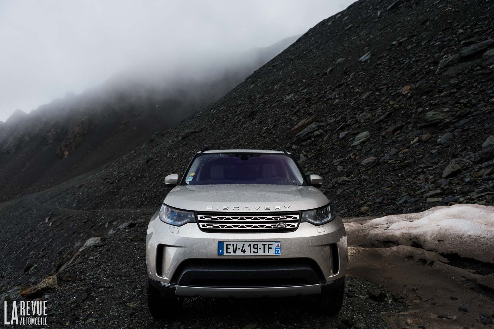Exterieur_Land-Rover-Discovery-SD4-HSE-Luxury_3