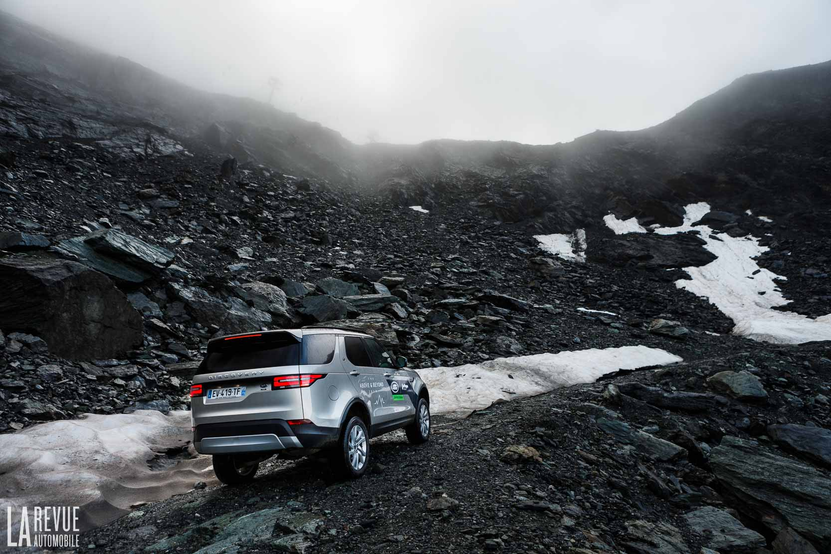 Exterieur_Land-Rover-Discovery-SD4-HSE-Luxury_26