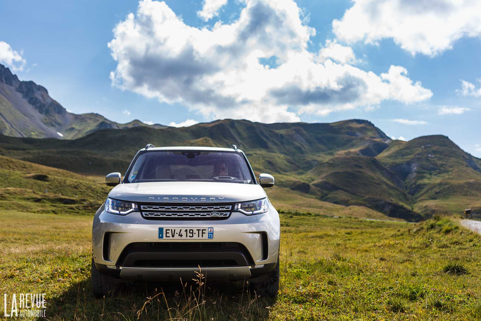 Exterieur_Land-Rover-Discovery-SD4-HSE-Luxury_34