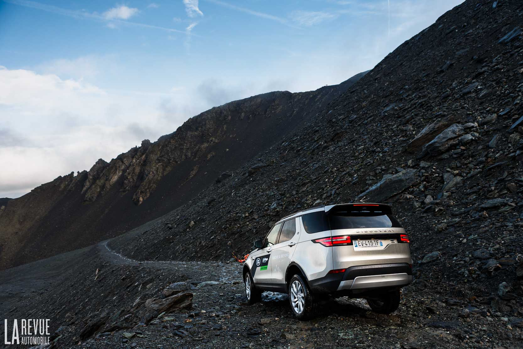 Exterieur_Land-Rover-Discovery-SD4-HSE-Luxury_12