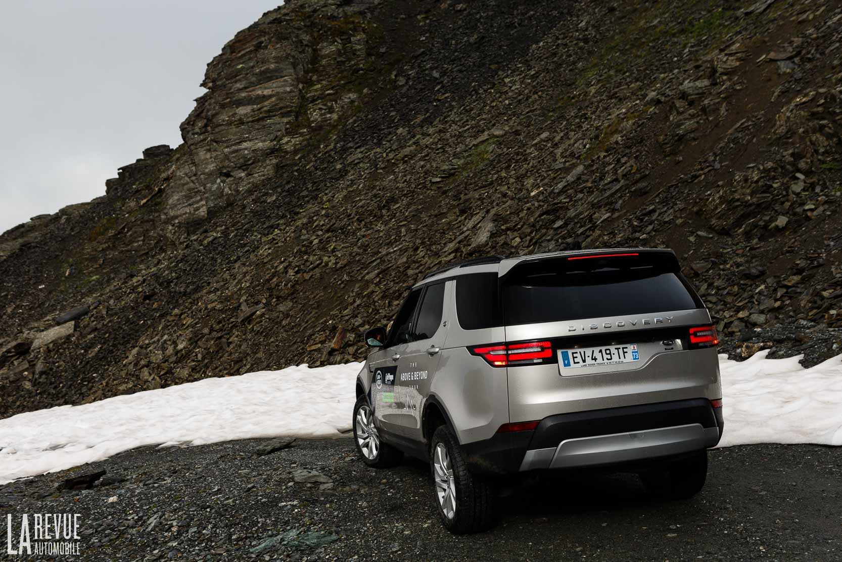 Exterieur_Land-Rover-Discovery-SD4-HSE-Luxury_13