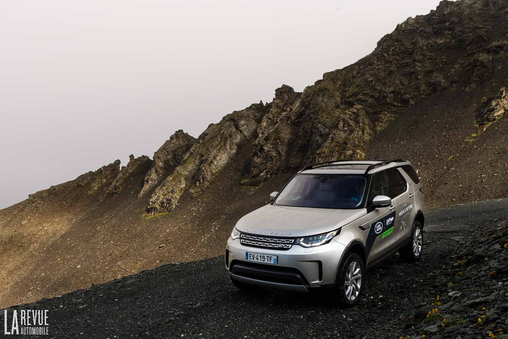 Exterieur_Land-Rover-Discovery-SD4-HSE-Luxury_24