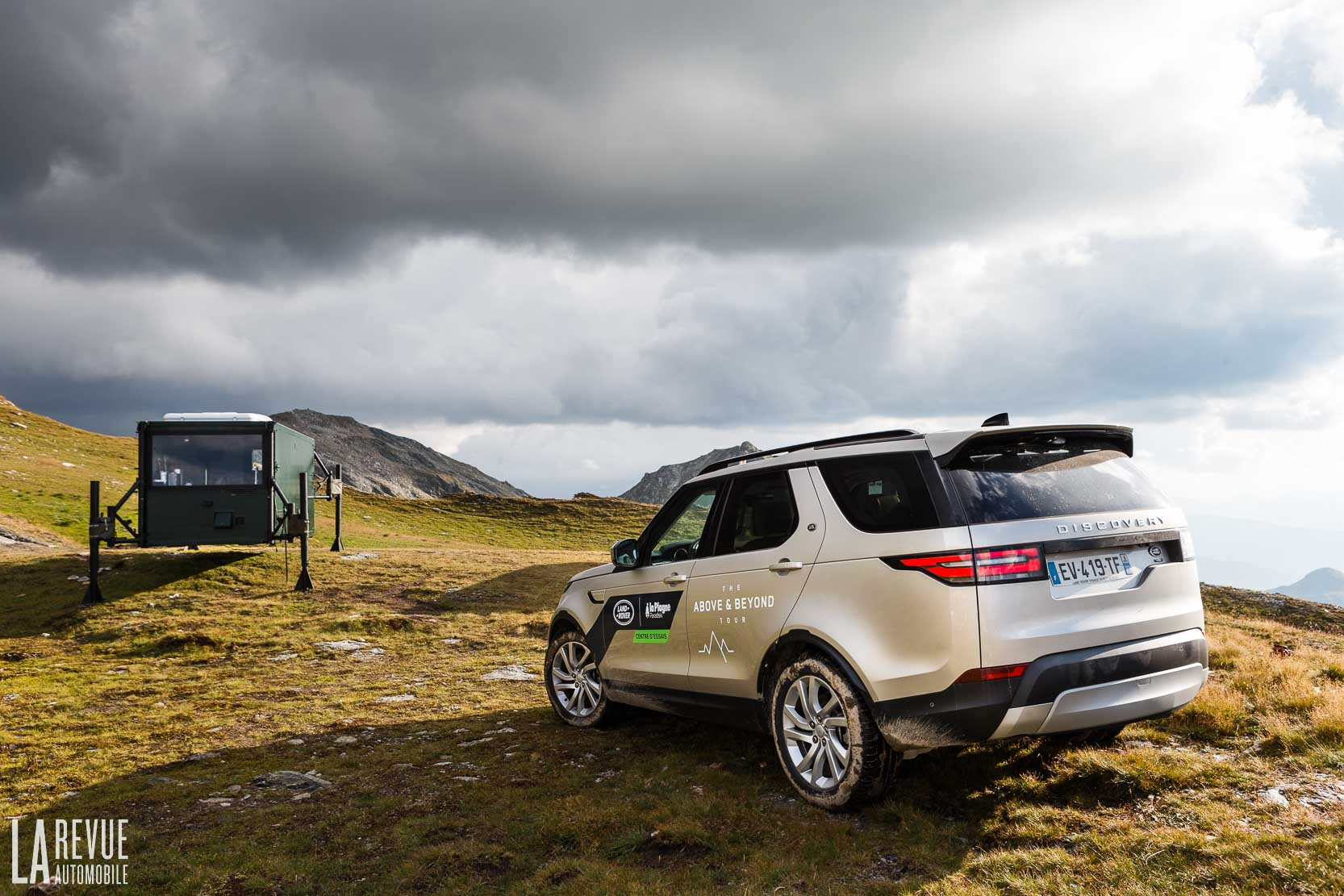 Exterieur_Land-Rover-Discovery-SD4-HSE-Luxury_22