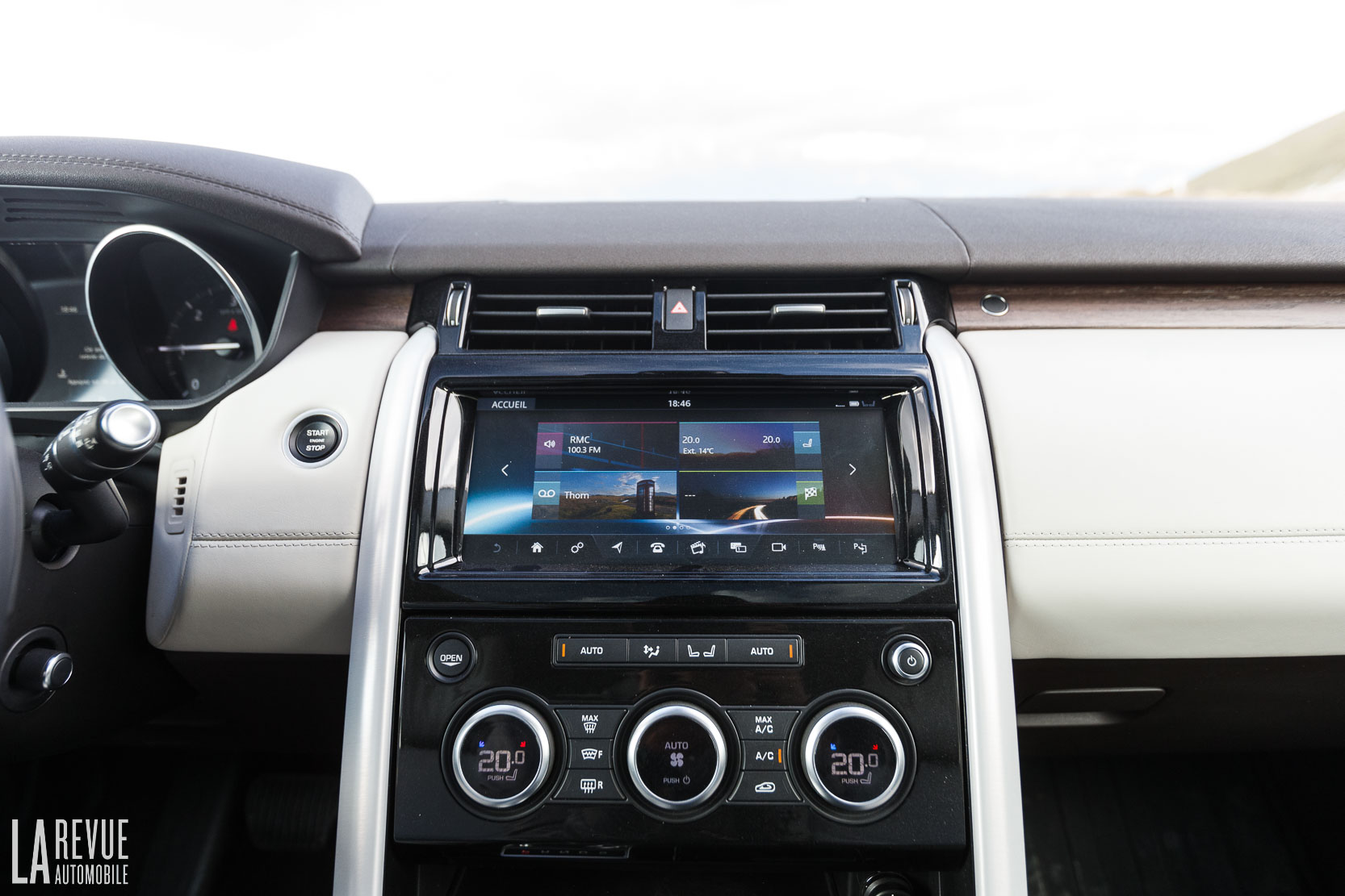 Interieur_Land-Rover-Discovery-SD4-HSE-Luxury_48