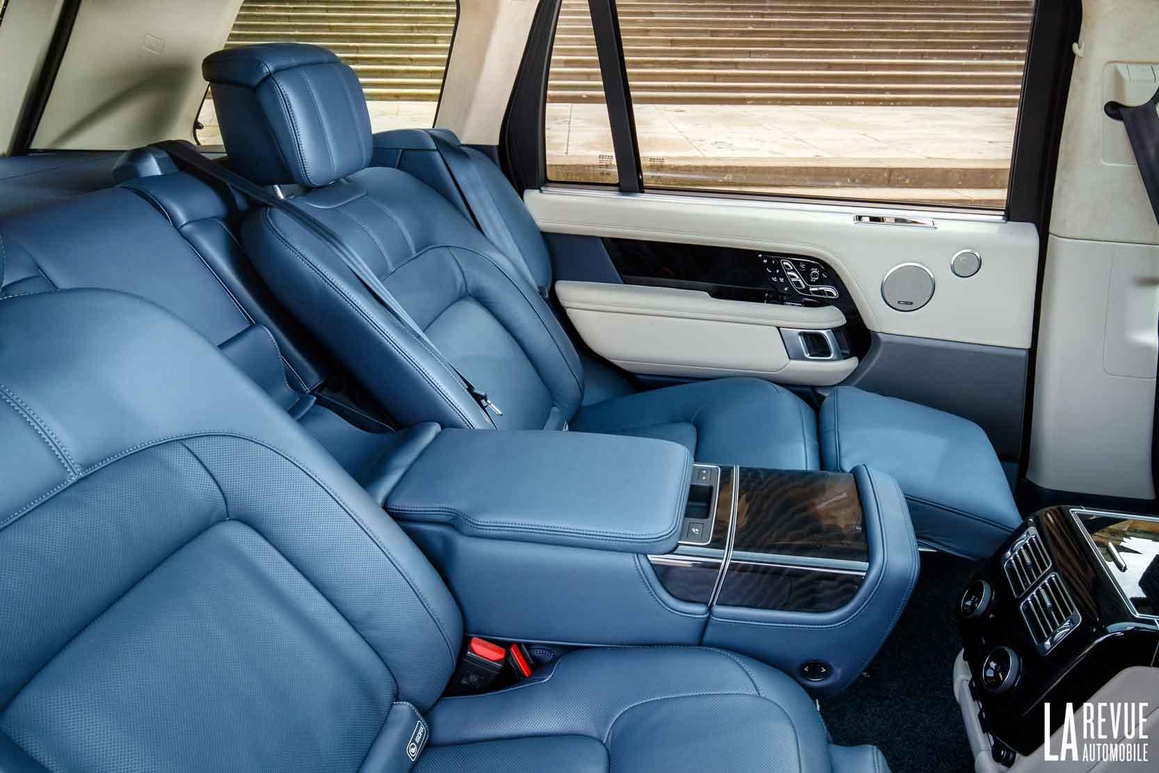 Places arrière du Range Rover LWG , le long, en version hybride rechargeable