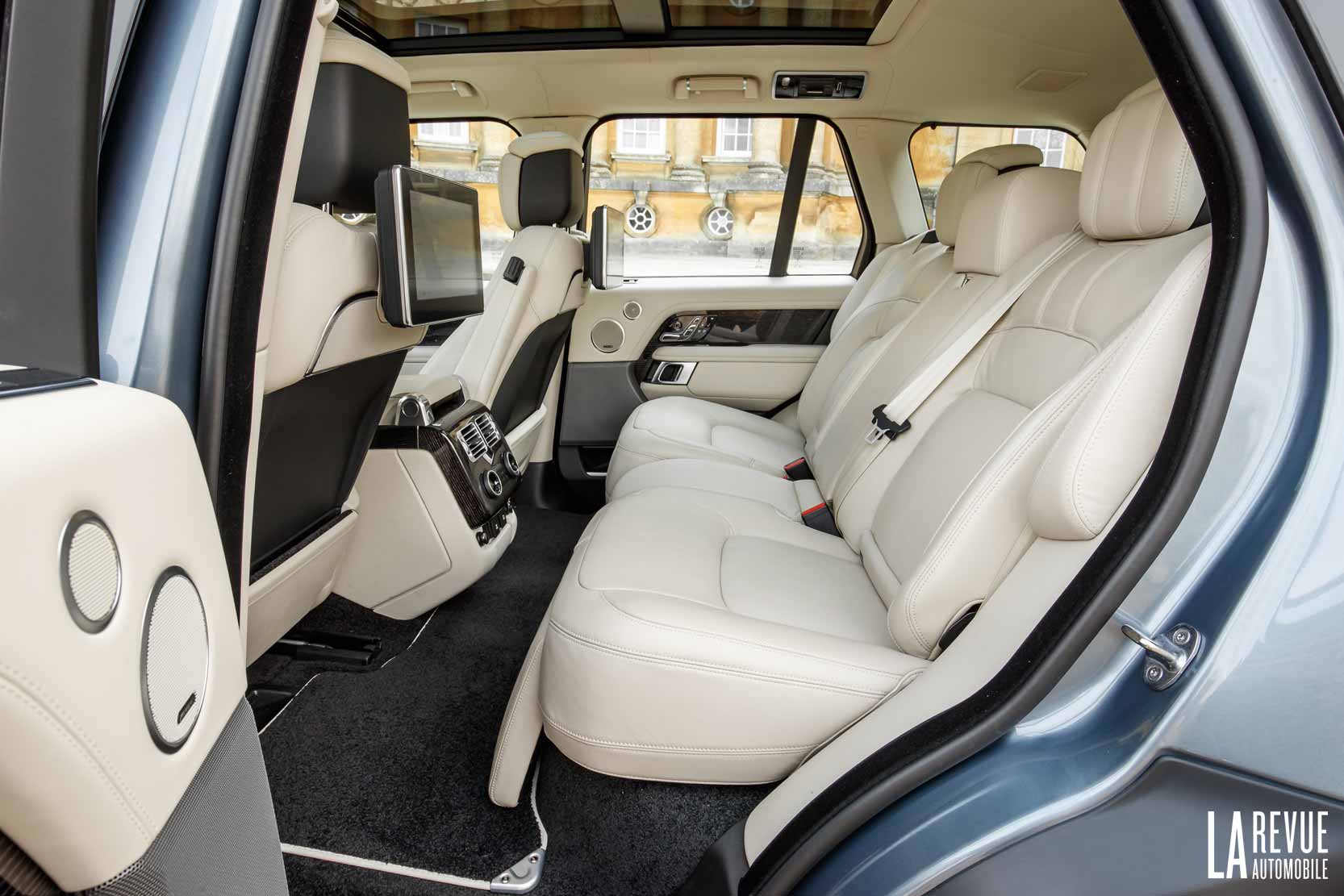 photo land rover range rover p400e interieur exterieur ann e 2018. Black Bedroom Furniture Sets. Home Design Ideas