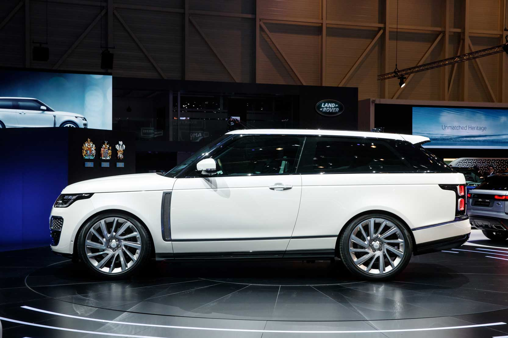 Exterieur_Land-Rover-Range-Rover-SV-Coupe_5
