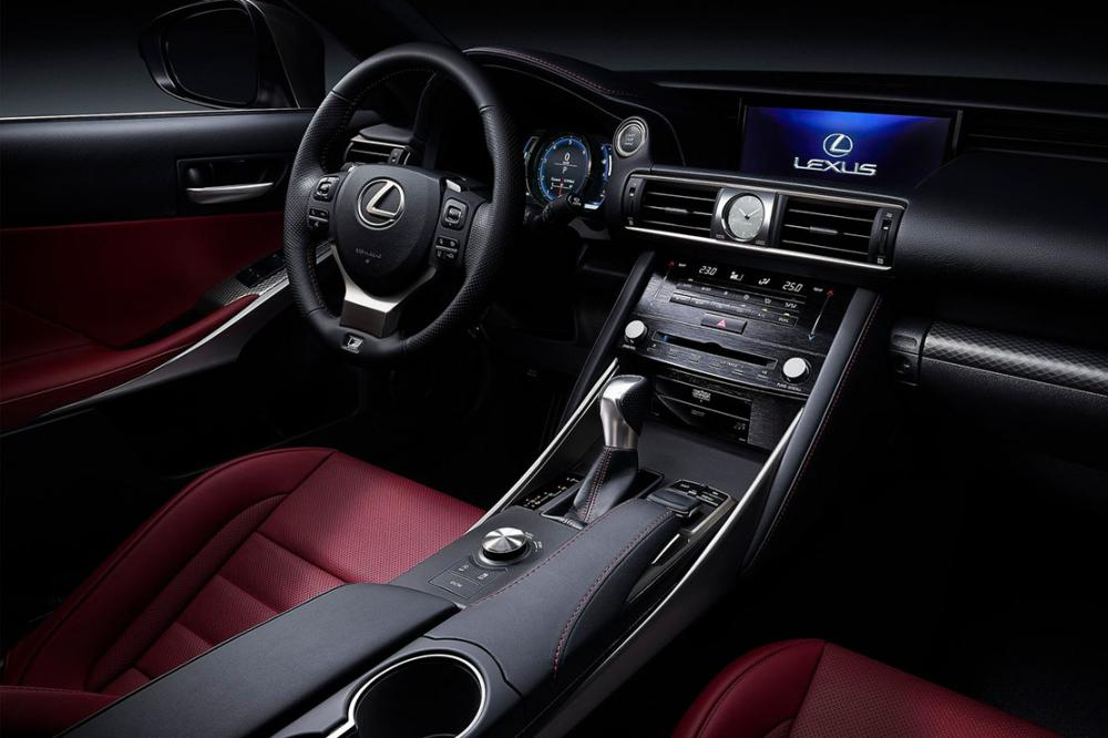 Interieur_Lexus-IS-2016_16