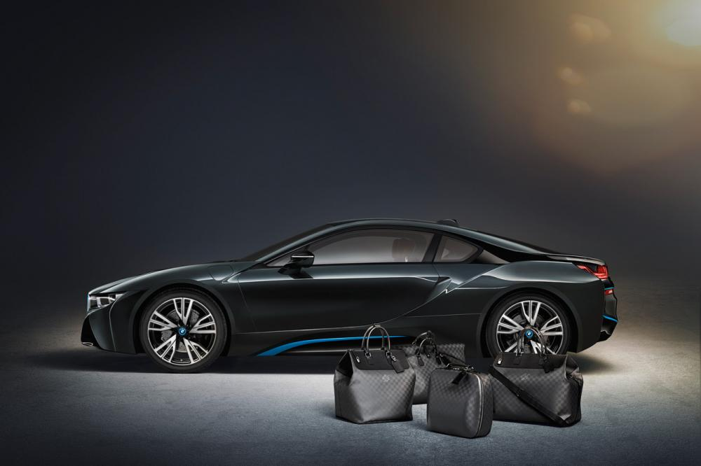 Exterieur_LifeStyle-Bagage-Louis-Vuitton-Bmw-i8_2