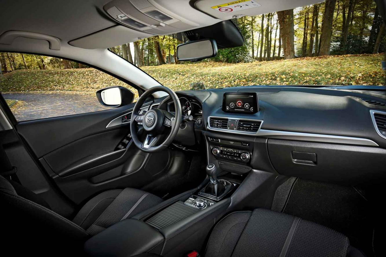 Interieur_Mazda-3-Impulsion_11