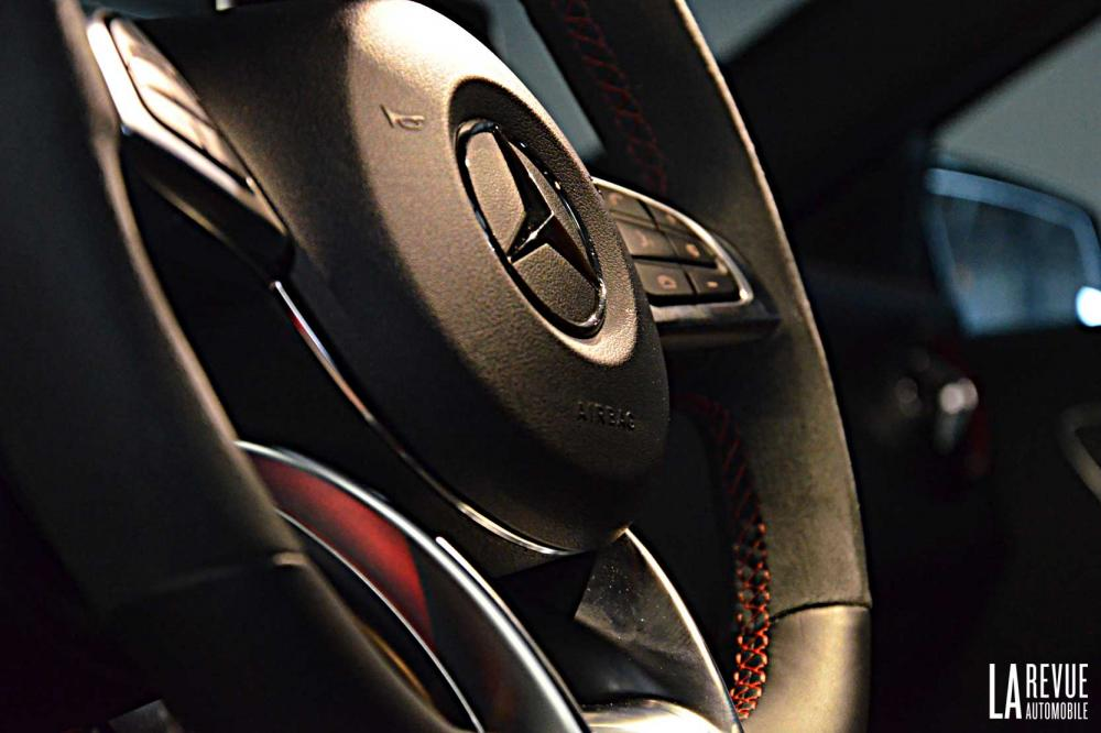 Interieur_Mercedes-A-45AMG-4MATIC_30
