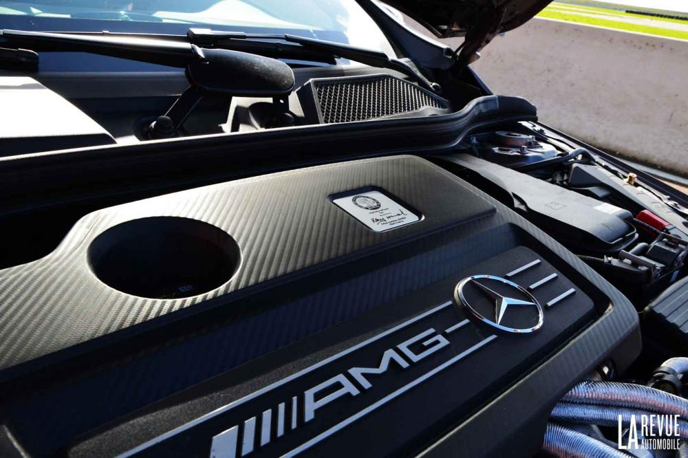 Interieur_Mercedes-A-45AMG-4MATIC_31