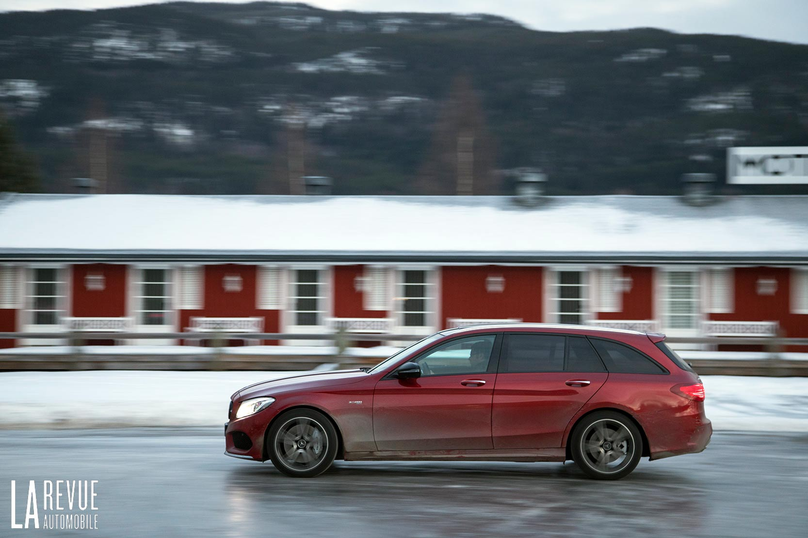 Exterieur_Mercedes-AMG-C43-Break_1
