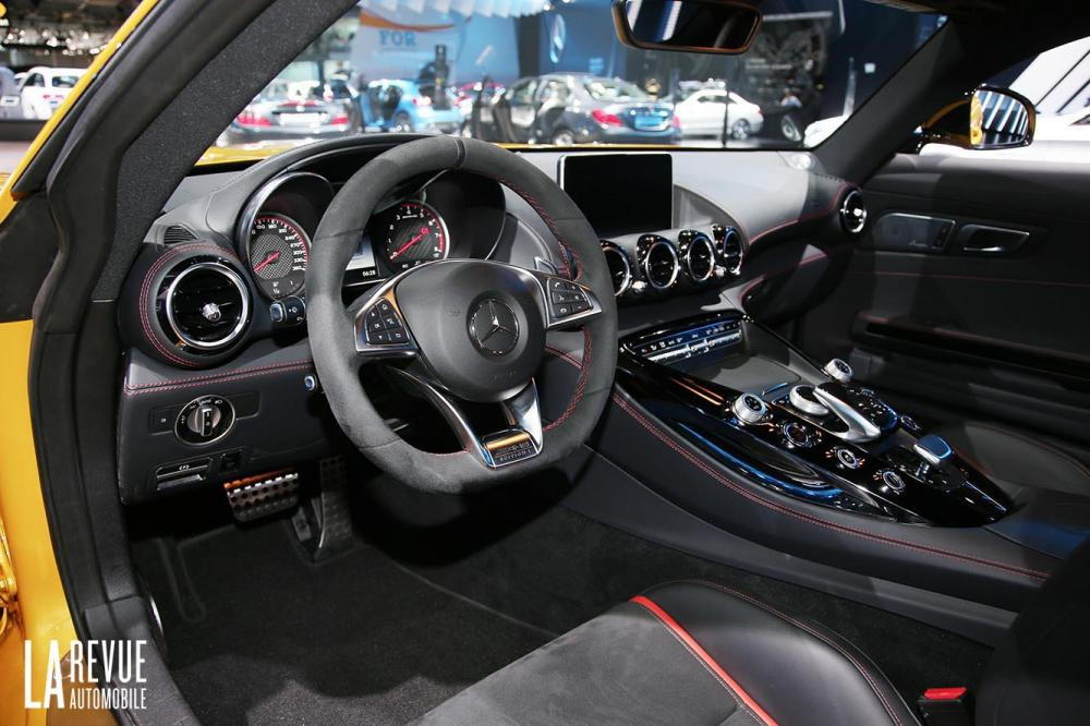 Interieur_Mercedes-AMG-GT-1-Edition_15