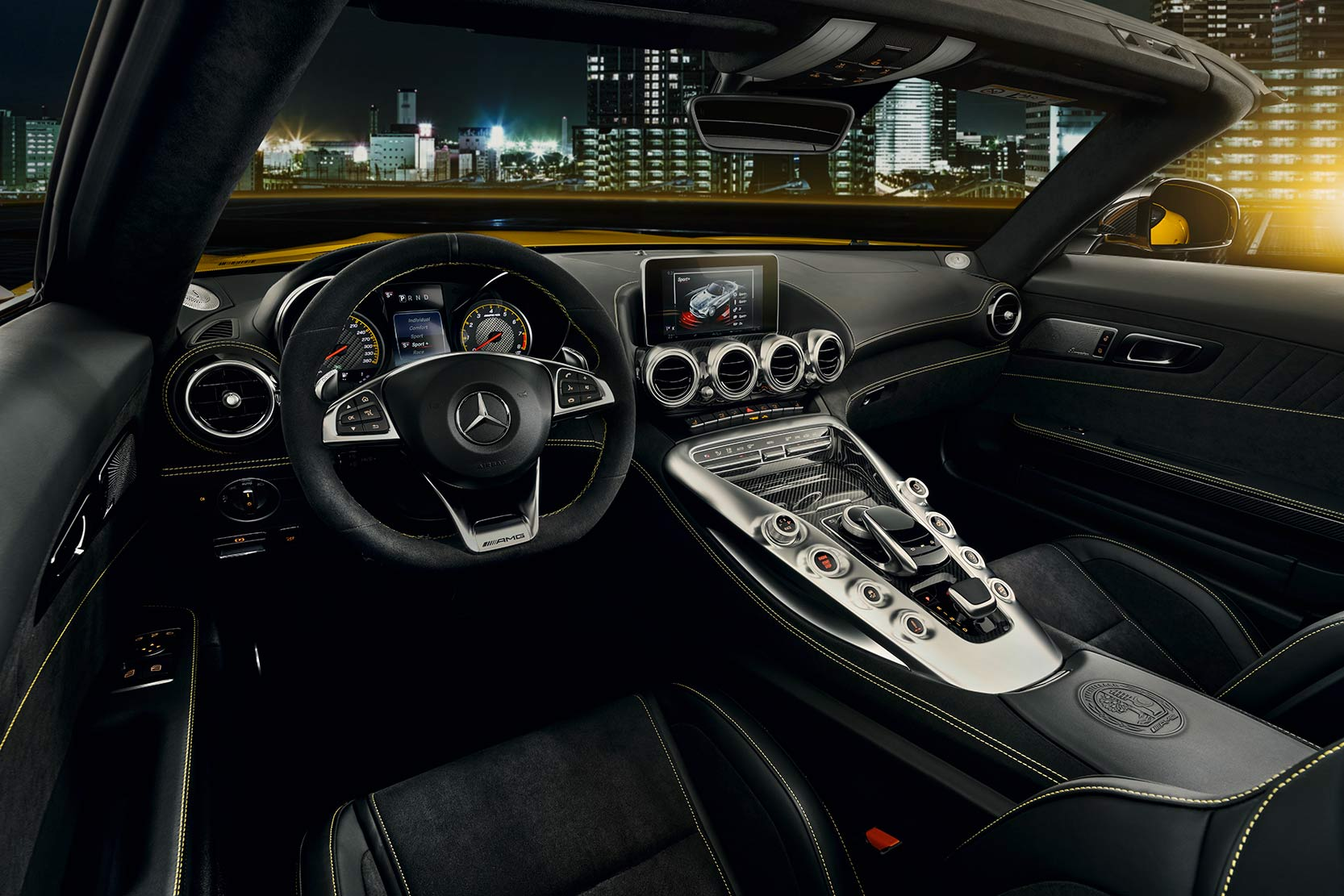 Interieur_Mercedes-AMG-GT-S-Roadster_10