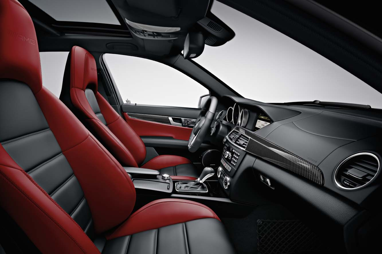 Interieur_Mercedes-C63-AMG-Break_13