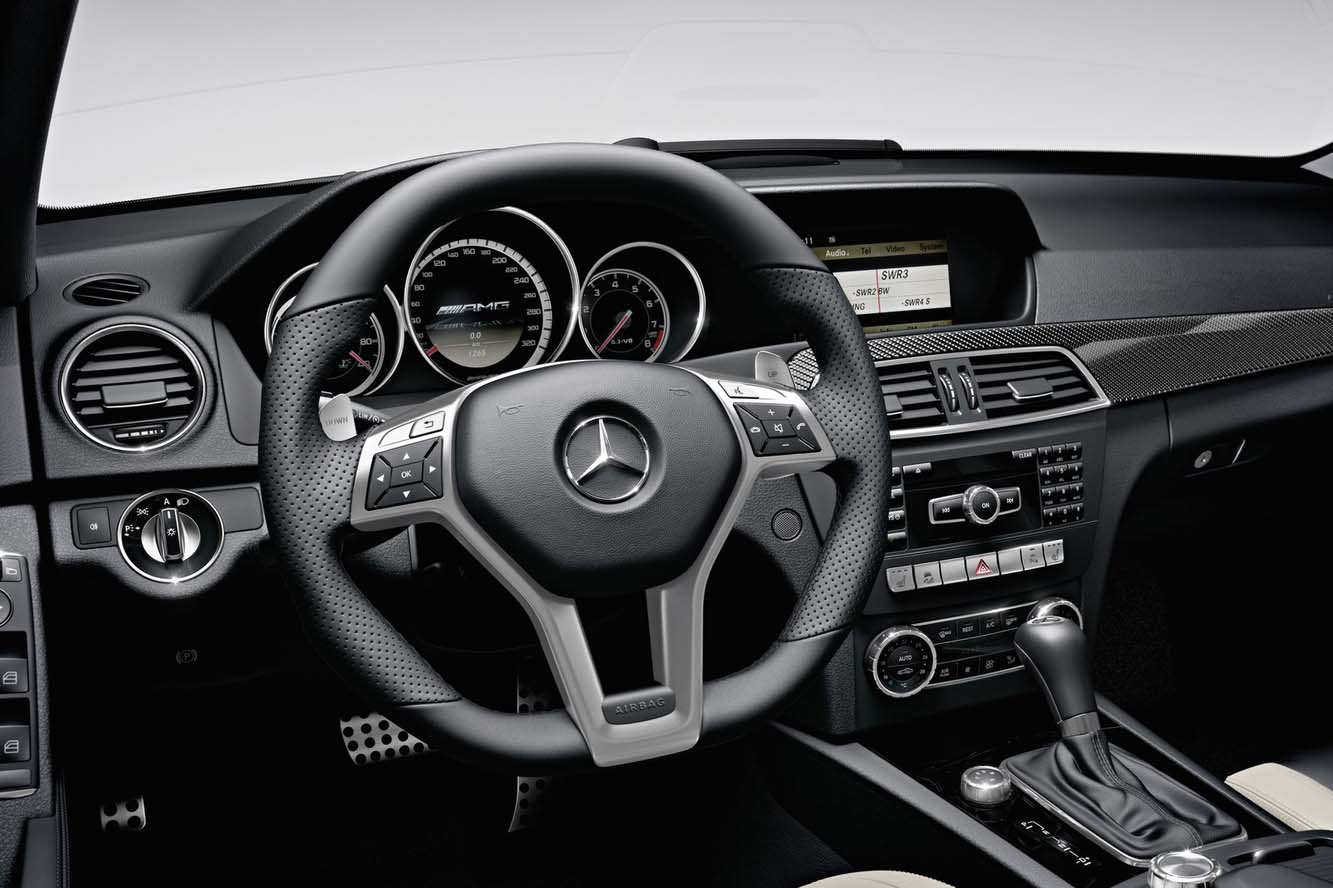Interieur_Mercedes-C63-AMG-Break_14