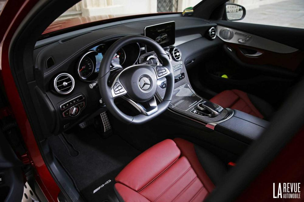 Interieur_Mercedes-GLC-Coupe-350d_58