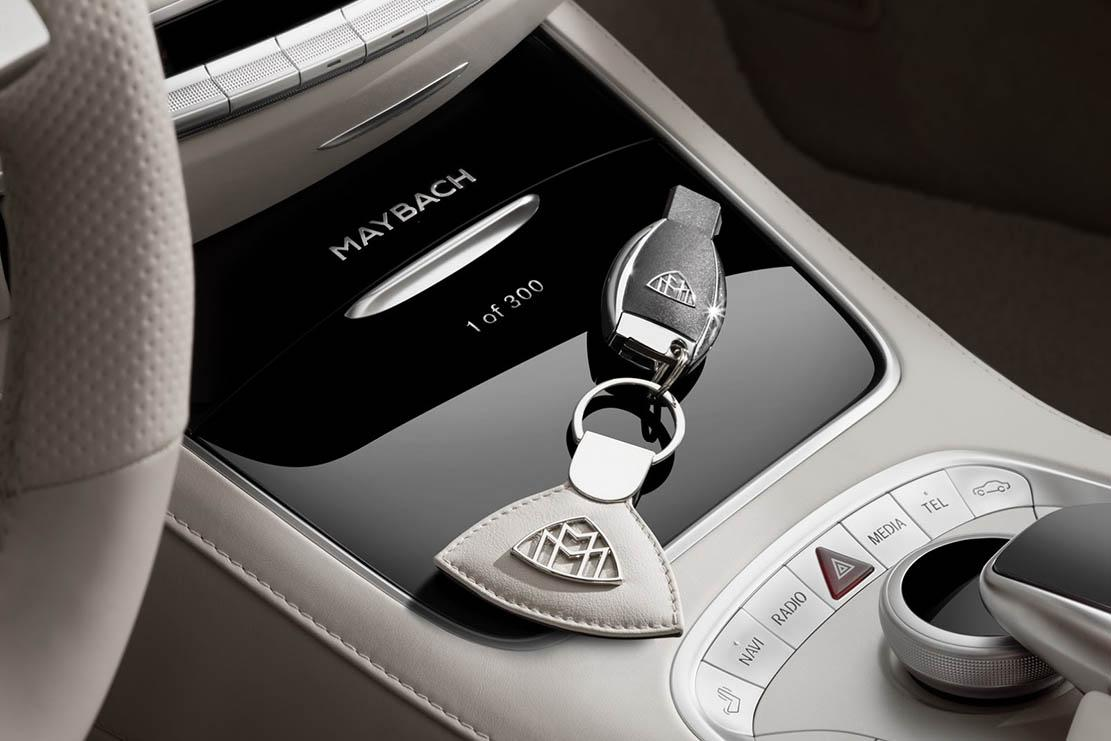 Interieur_Mercedes-Maybach-S650-Cabriolet_16